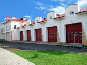 Секційні промислові ворота Алютех