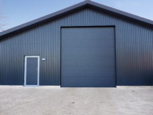 The advantages of industrial gates Alutech